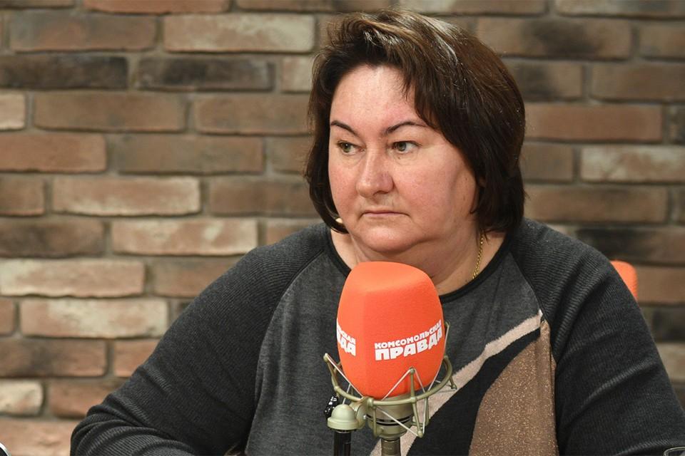 """Елена Вяльбе в студии Радио """"Комсомольская правда""""."""