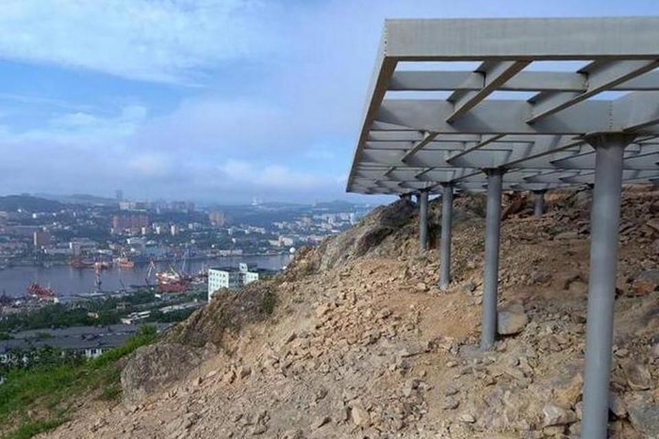 Новая видовая площадка на сопке Бурачка появится уже в сентябре 2021 года. Фото: Дирекция общественных пространств Владивостока.