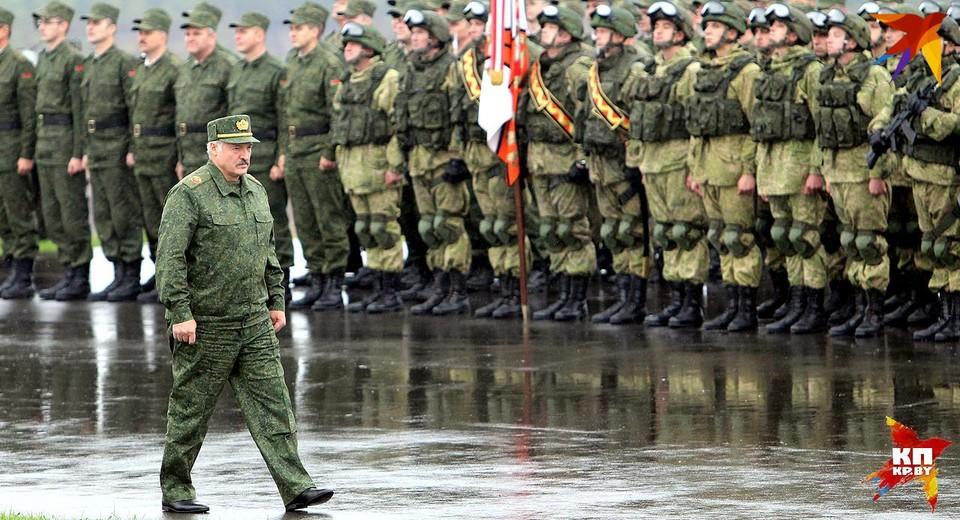Лукашенко: «Россия поставит Беларуси десятки самолетов, вертолетов, средства ПВО, возможно и С-400».
