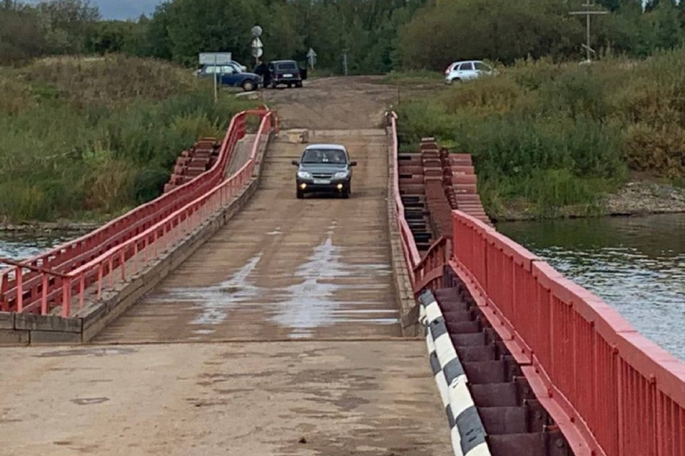 По мосту смогут двигаться только легковушки весом не более 3,5 тонн. Фото: vk.com/mo_kirovochepetsk