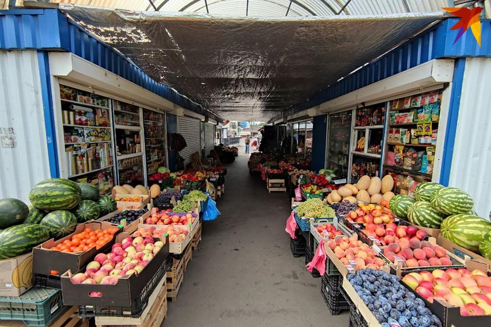Торговые ряды в славном белорусском городе Ивацевичи.