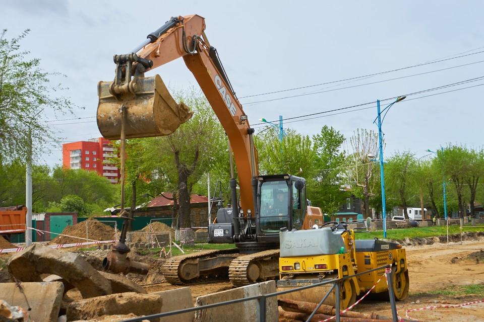 Ремонт продолжает захватывать все новые и новые территории амурской столицы Фото: СУББОТИНА Татьяна