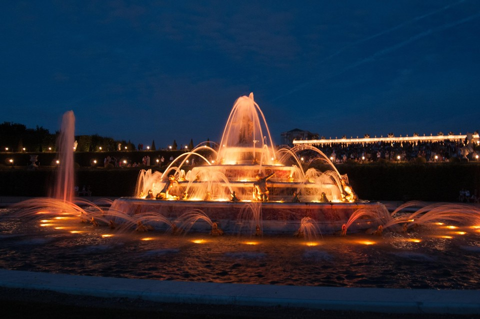 Территорию вокруг свето-музыкального фонтана тоже планируют облагородить