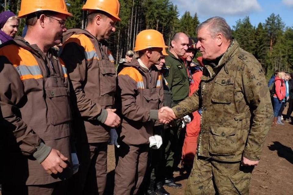 По словам главы региона, в этом году, когда леса во многих регионах уничтожены пожарами, значимость восстановления насаждений невозможно недооценивать. Фото: kirovreg.ru