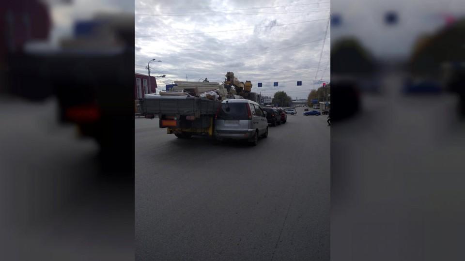 5 машин столкнулись сегодня в Томске, но люди не пострадали. Фото: УМВД России по Томской области