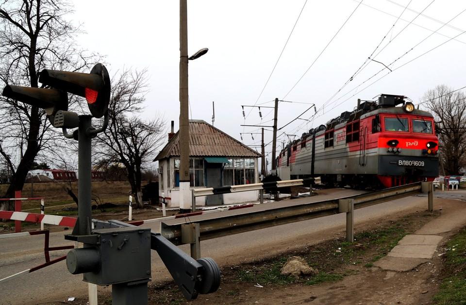 Видимо, поезд между Томском и Новосибирском не окупает себя...