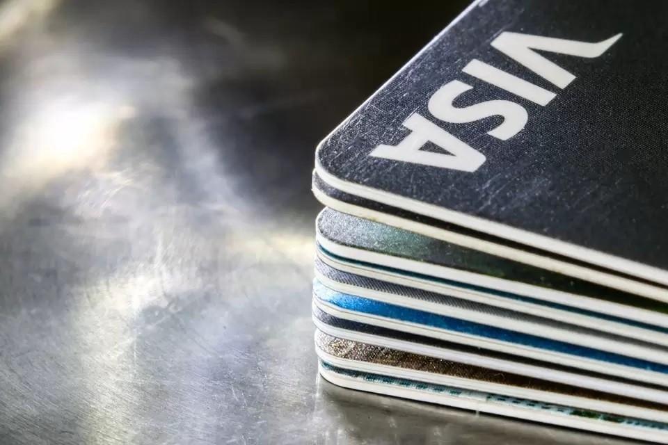 Аналитики дали советы, как воспользоваться кредитной картой и не попасть в финансовую кабалу