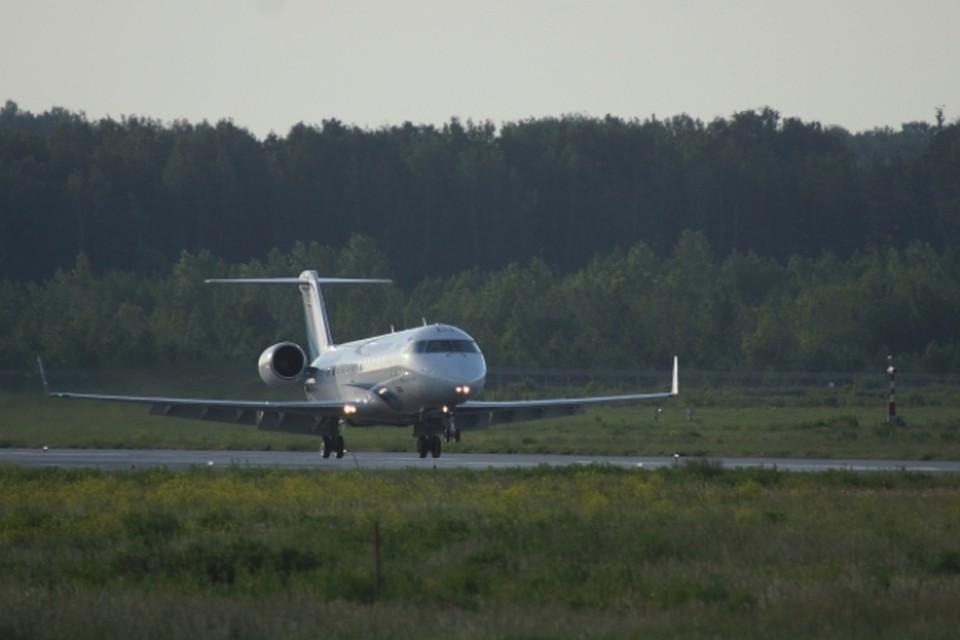 Пассажирский самолет из Антальи экстренно сел в Петербурге